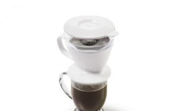 お湯を注いで自動でドリップ!オクソーからオートドリップコーヒーメーカーが発売!!